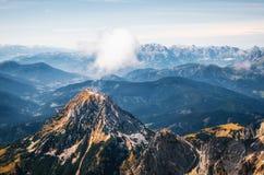 Βουνό Dachstein με το σύννεφο στην Αυστρία Στοκ Εικόνα