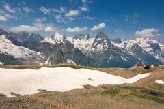 Βουνό Dombai, Καύκασος, Ρωσία στοκ φωτογραφία με δικαίωμα ελεύθερης χρήσης