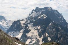 Βουνό Dombai, Καύκασος, Ρωσία στοκ εικόνες