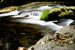 Βουνό Jizerske, ποταμός Kamenice, Δημοκρατία της Τσεχίας στοκ φωτογραφίες με δικαίωμα ελεύθερης χρήσης