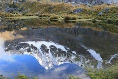 Βουνό Relfection - οδοιπορικό Santa Cruz - εθνικό πάρκο Huascaran, Στοκ Εικόνα