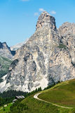 Βουνό Sasshonger της περιοχής badia alta στο καλοκαίρι στο βόρειο ι Στοκ Φωτογραφίες