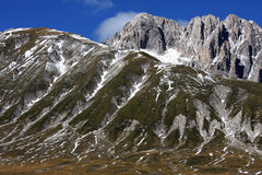 Βουνό Sasso Gran Apennines της Ιταλίας Στοκ εικόνα με δικαίωμα ελεύθερης χρήσης