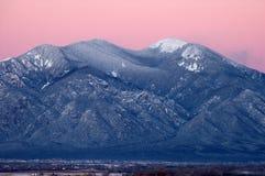Βουνό Taos μετά από το ηλιοβασίλεμα Στοκ Φωτογραφίες