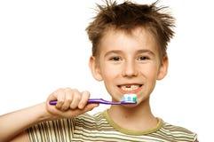 βουρτσίζοντας δόντια παι Στοκ φωτογραφία με δικαίωμα ελεύθερης χρήσης