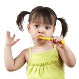 βουρτσίζοντας δόντια Στοκ Εικόνες