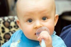 βουρτσίζοντας πρώτο δόντι Στοκ εικόνα με δικαίωμα ελεύθερης χρήσης
