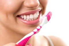 Βουρτσίζοντας δόντια, οδοντική υγιεινή Στοκ Εικόνες