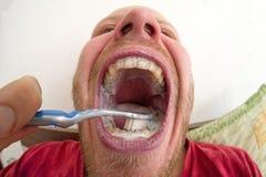 βουρτσίζοντας δόντια οδοντική υγιεινή Στοκ Φωτογραφία