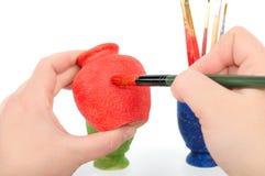βουρτσίστε θηλυκό vase χρωμά& στοκ εικόνα με δικαίωμα ελεύθερης χρήσης