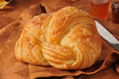 Βουτυρώδης croissant στοκ εικόνα με δικαίωμα ελεύθερης χρήσης