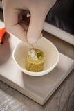 Βουτύρου πιάτα χορταριών Στοκ φωτογραφίες με δικαίωμα ελεύθερης χρήσης