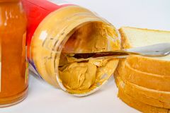 βουτύρου σάντουιτς φυστικιών μονοπατιών ζελατίνας ψαλιδίσματος απομονωμένο εικόνα στοκ φωτογραφίες