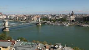 Βουδαπέστη, Ουγγαρία Άποψη του ποταμού Δούναβη, του νησιού της Margaret, του παρασίτου στην ανατολή και του Hill Gellert απόθεμα βίντεο
