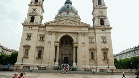 Βουδαπέστη, Ουγγαρία, τον Ιούνιο του 2017: Η βασιλική Αγίου Istvan, μια από τις ομορφότερες καθολικές εκκλησίες στην Ουγγαρία απόθεμα βίντεο