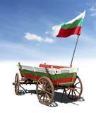 Βουλγαρική σημαία σε ένα κάρρο αλόγων Στοκ φωτογραφίες με δικαίωμα ελεύθερης χρήσης
