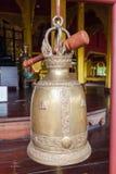 Βουδιστικά κουδούνια που κρεμούν στο ναό Στοκ Φωτογραφία
