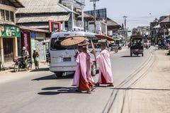 βουδιστικές καλόγριες Στοκ φωτογραφίες με δικαίωμα ελεύθερης χρήσης