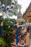 Βουδιστική παγόδα, μέρος του ναού σύνθετο Wat Plai Laem στο νησί Samui Στοκ φωτογραφία με δικαίωμα ελεύθερης χρήσης