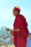 Βουδιστικός μοναχός στην αφιέρωση Στοκ Φωτογραφίες