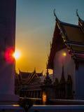 Βουδιστικός ναός στο ηλιοβασίλεμα Στοκ Φωτογραφίες