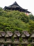 Βουδιστικός ναός Chogosonshiji στο υποστήριγμα Shigi στο νομαρχιακό διαμέρισμα του Νάρα στοκ φωτογραφία με δικαίωμα ελεύθερης χρήσης