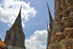 Βουδιστικός πύργος λειψάνων Στοκ εικόνες με δικαίωμα ελεύθερης χρήσης