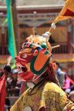 Βουδιστικός χορευτής μασκών με το παραδοσιακό φόρεμα σε Ladakh Στοκ εικόνα με δικαίωμα ελεύθερης χρήσης