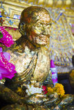 Βουδιστικό άγαλμα στο ναό της Ταϊλάνδης Στοκ φωτογραφία με δικαίωμα ελεύθερης χρήσης