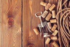 βουλώνει το κρασί ανοιχ&ta Στοκ φωτογραφίες με δικαίωμα ελεύθερης χρήσης