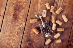βουλώνει το κρασί ανοιχ&ta Στοκ Φωτογραφίες