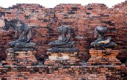 3 Βούδας κανένα κεφάλι και κανένας βραχίονας από τον παλαιό ναό στο ayutthaya Στοκ Φωτογραφία