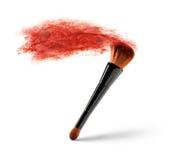 Βούρτσα Makeup με τη σκόνη χρώματος στοκ εικόνες
