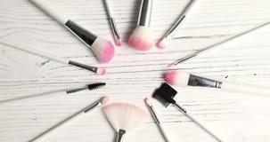 Βούρτσες για το makeup στον κύκλο απόθεμα βίντεο