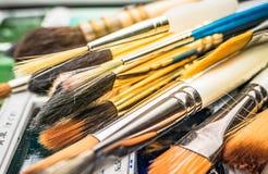 Βούρτσες χρωμάτων καλλιτεχνών Στοκ Φωτογραφία