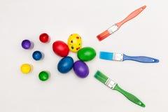 Βούρτσες, χρώμα και αυγά Στοκ Εικόνα