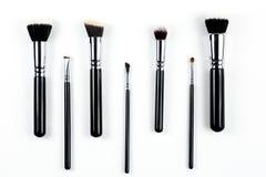 Βούρτσες Makeup στο άσπρο υπόβαθρο Στοκ Φωτογραφίες