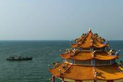 Βούδας και θάλασσα Στοκ Φωτογραφίες