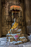 Βούδας μέσα στους ναούς Angkor Wat, Καμπότζη Στοκ Εικόνα