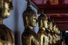 Βούδας staues στη Μπανγκόκ, Ταϊλάνδη Στοκ Εικόνες