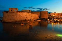 Βράδυ Gallipoli Castle, Πούλια, Ιταλία Στοκ Εικόνες