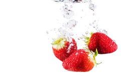 βράζει strawberrys ύδωρ Στοκ φωτογραφία με δικαίωμα ελεύθερης χρήσης