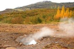 Βράζοντας καυτές ανοίξεις στην Ισλανδία Στοκ Εικόνες