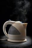 βράζοντας teapot Στοκ φωτογραφίες με δικαίωμα ελεύθερης χρήσης