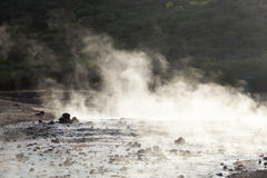 Βράσιμο στον ατμό του νερού στη λίμνη Bogoria, Κένυα Στοκ φωτογραφία με δικαίωμα ελεύθερης χρήσης
