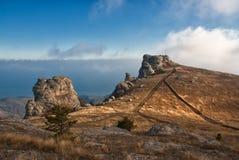 βράχοι βουνών σύννεφων Στοκ Φωτογραφίες
