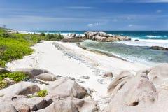 Βράχοι γρανίτη και κοράλλι, Λα Digue, Σεϋχέλλες Στοκ Εικόνες