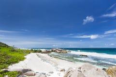 Βράχοι γρανίτη και κοράλλι, Λα Digue, Σεϋχέλλες Στοκ φωτογραφία με δικαίωμα ελεύθερης χρήσης