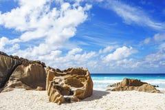 Βράχοι γρανίτη στην παραλία των Σεϋχελλών, λεπτοκαμωμένο anse, Λα digue 2 Στοκ Φωτογραφία