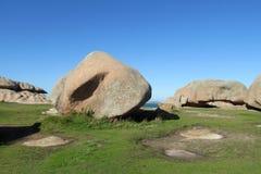 Βράχοι γρανίτη στην παραλία Στοκ Φωτογραφία